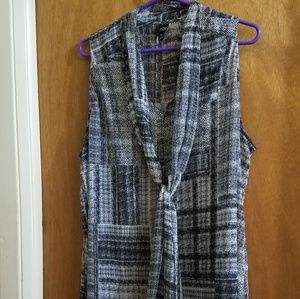6th&Lane Sleeveless Blouse w/Attached Tie